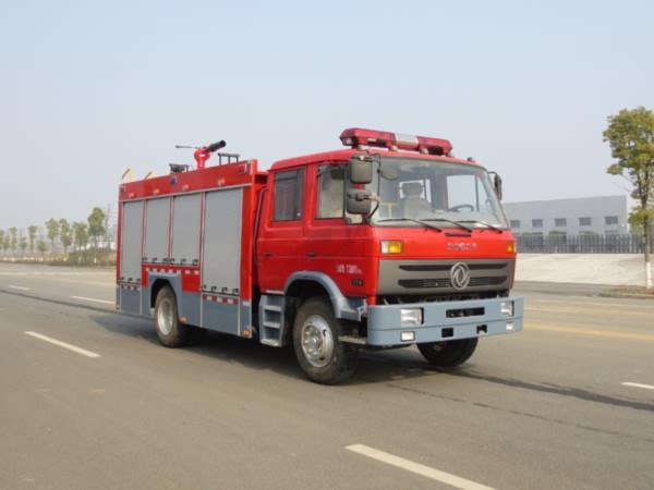 东风145型5吨水罐消防车